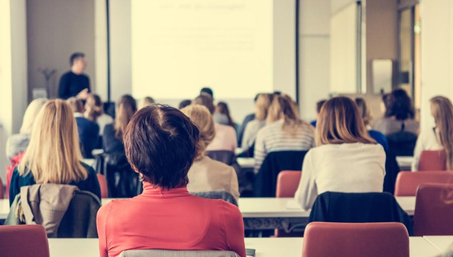 Poradnik dla trenerów – jak poprowadzić szkolenie