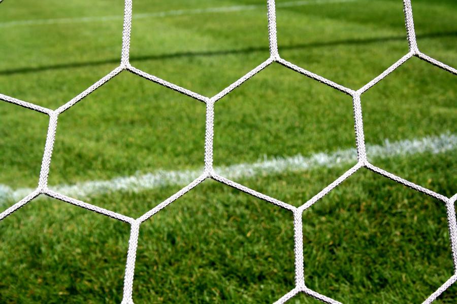 Wymagająca pielęgnacja boisk sportowych